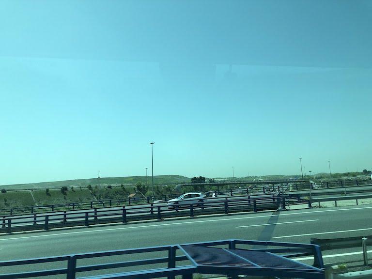 バレンシアーマドリード間のバスからの風景