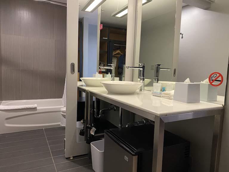 アロフトマイアミ バスルーム
