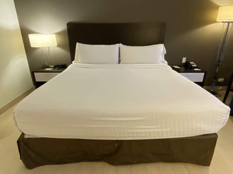 ホリディインパナマ ベッド