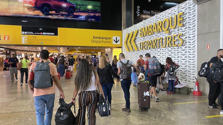 グアルーリョス国際空港