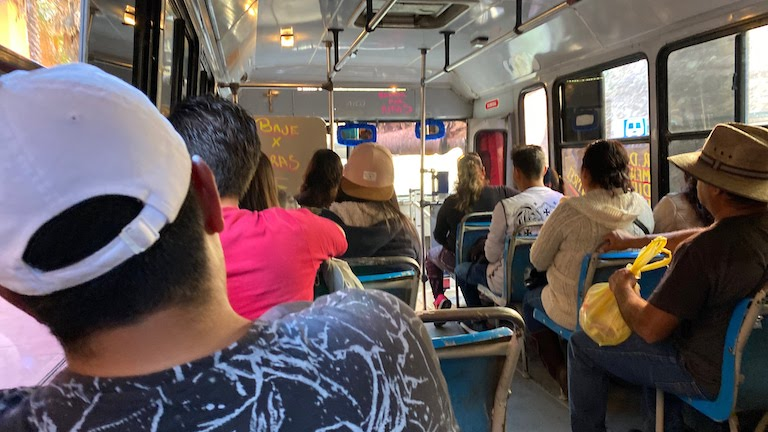 グアナファト バス内