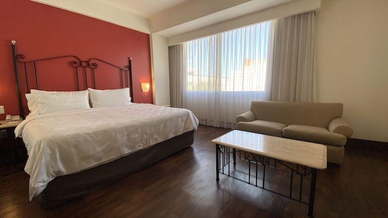 Holiday-Inn-Guadalajara 部屋