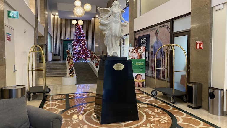 Holiday-Inn-Guadalajara ロビー