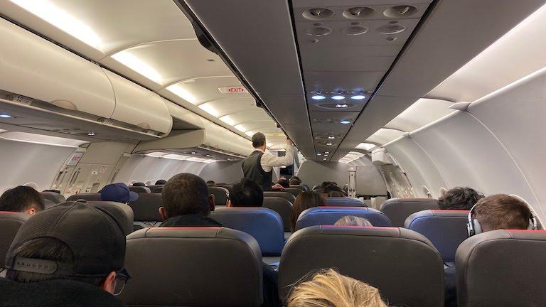 アメリカン航空機内