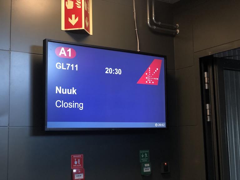 グリーンランド航空 ゲート案内板