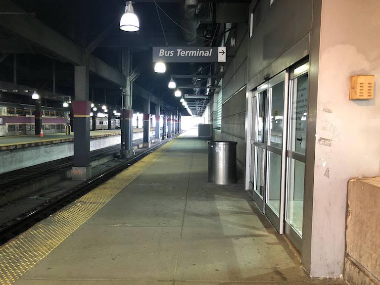 ボストン南駅バスターミナル入り口