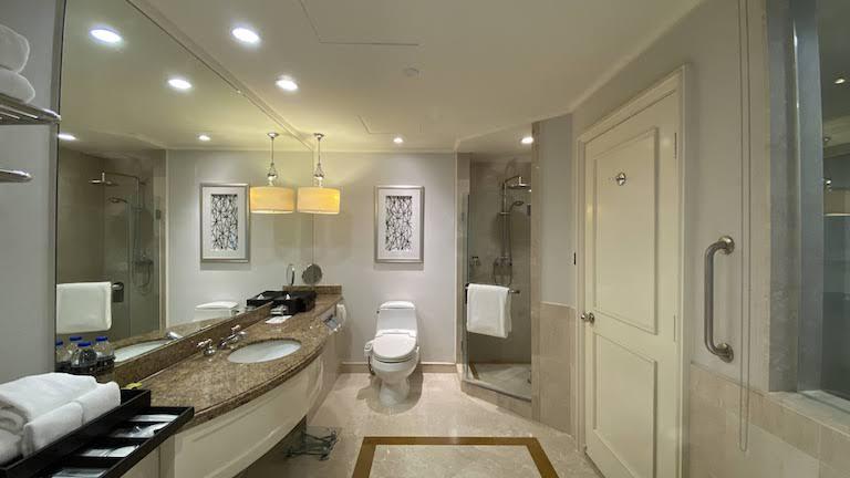 インターコンチネンタルKL バスルーム