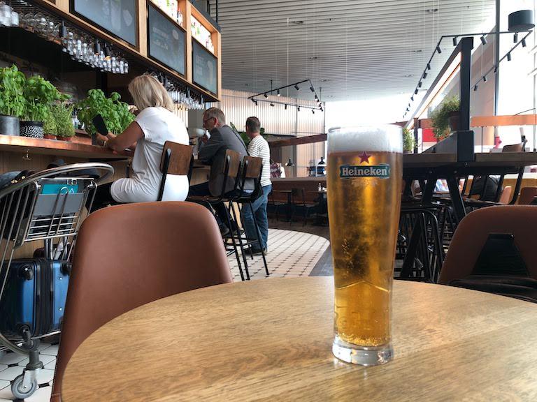 コペンハーゲン空港 ハイネケン