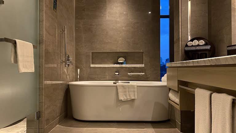 ソフィテルKL バスルーム