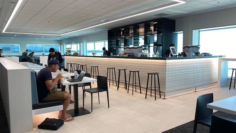 オークランド国際空港 ニュージーランド航空国内線ラウンジ