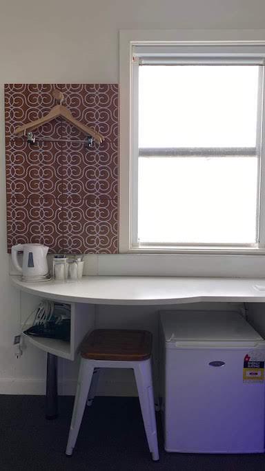 ブレイクフリークライストチャーチ テーブル&窓
