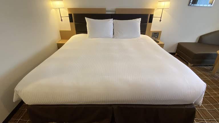 ダブルツリーバイヒルトン那覇 ベッド