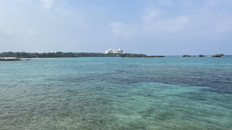 ハイアットリージェンシー瀬良垣アイランド 海から見えるインターコンチネンタルホテル
