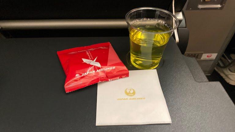 JAL国際線プレミアムエコノミー 機内サービス