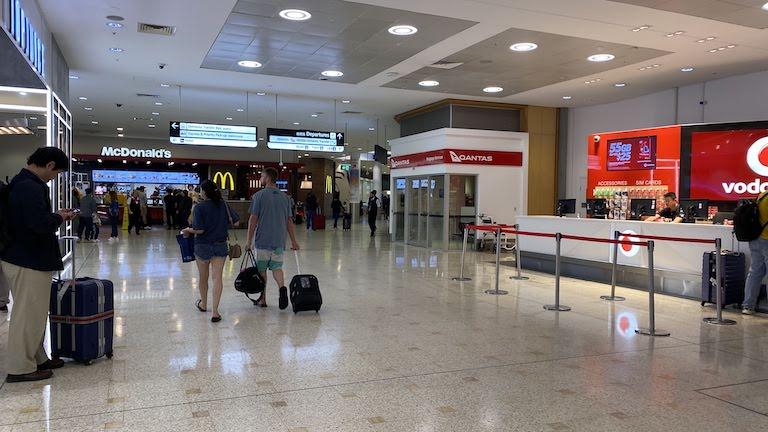 シドニー空港 到着ロビー