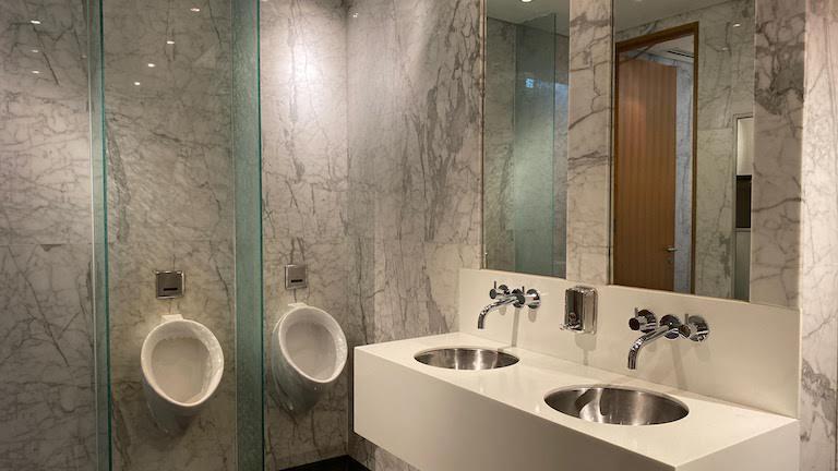 クアラルンプール国際空港 キャセイパシフィック航空ラウンジ トイレ