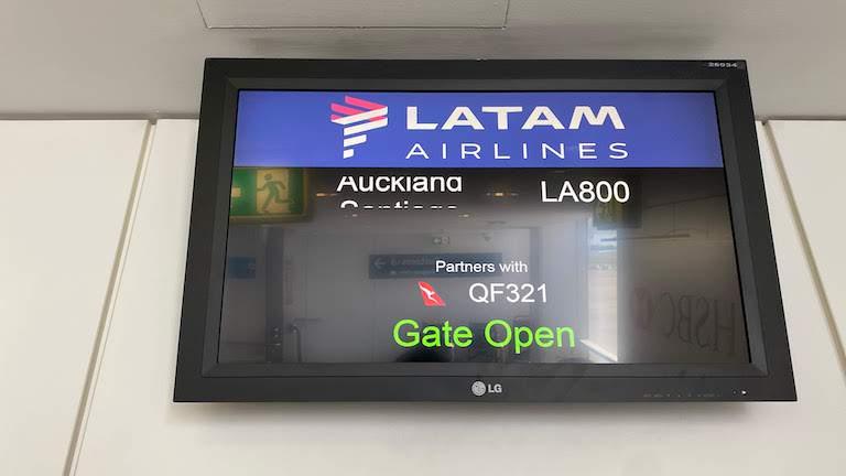 ラタム航空 LA800 搭乗口