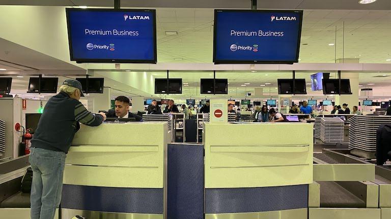 シドニー国際空港 ラタム航空ビジネスクラス チェックインカウンター