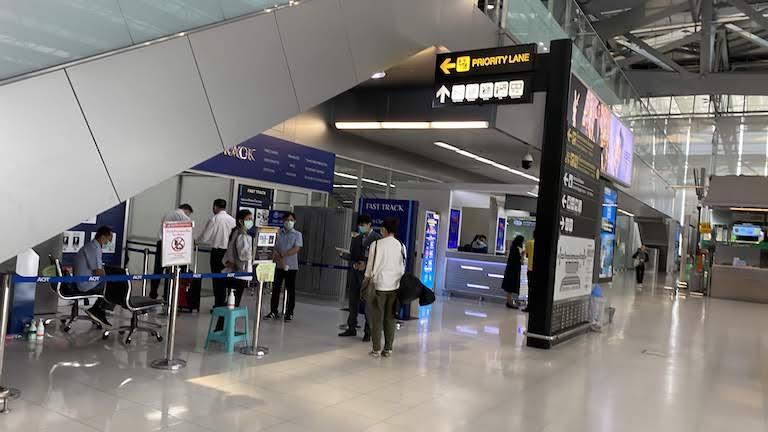 スワンナプーム国際空港 FAST TRUCK