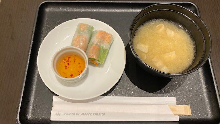 成田国際空港 本館 サクララウンジ 食事
