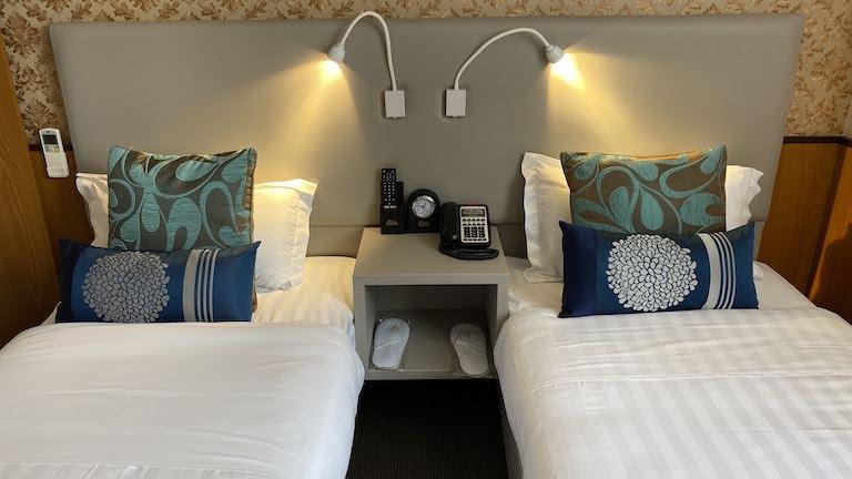SYDNEY HOTEL QVB ベッド