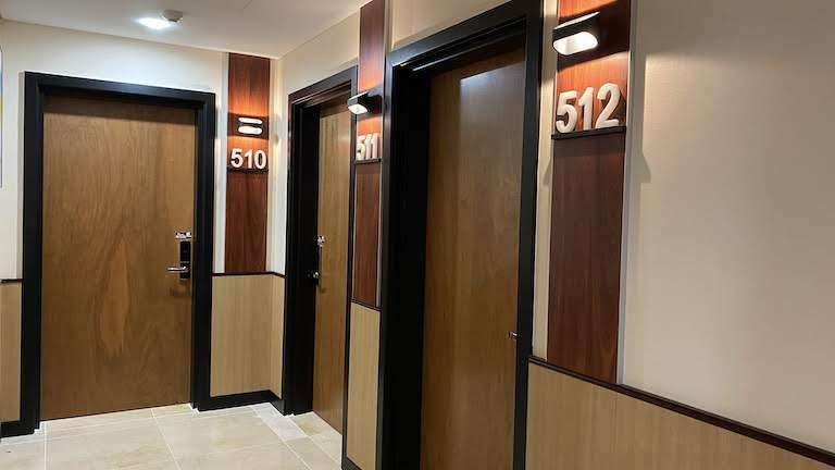 SYDNEY HOTEL QVB 客室ドア