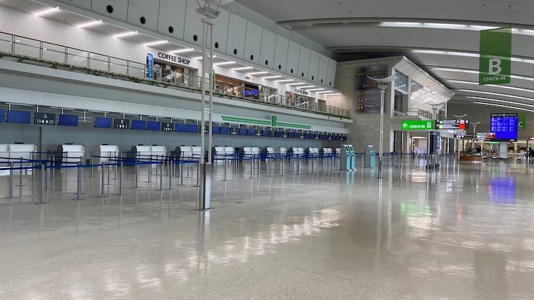 那覇空港 国際線チェックインカウンター