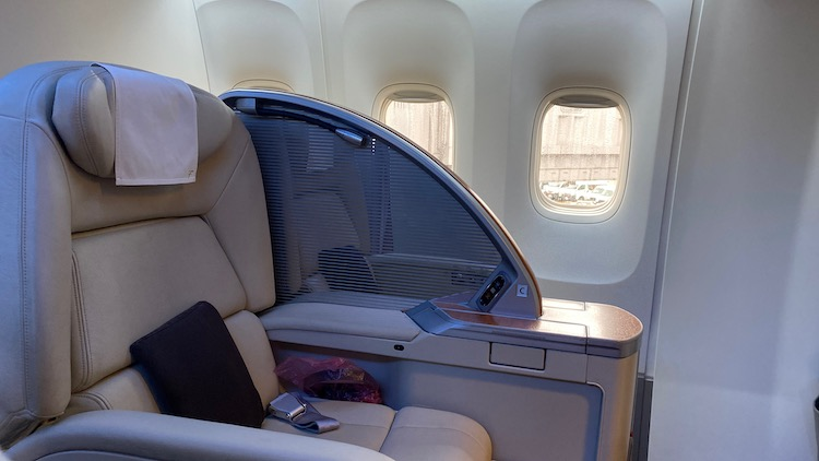 JAL国内線ファーストクラス 座席